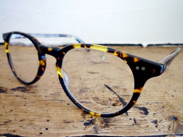 NO.14 【OLIVER PEOPLES Riley】